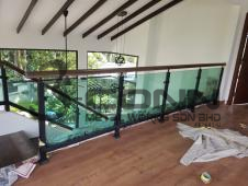 Staircase Wooden Handrail with Tempered Glass